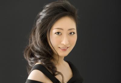 Etsuko Hirose   pianiste
